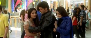 Kabhi Khushi Kabhie Gham... (2001) at Bluewater family hugging at the shopping centre