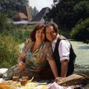 Pop and Ma by the River © ITV