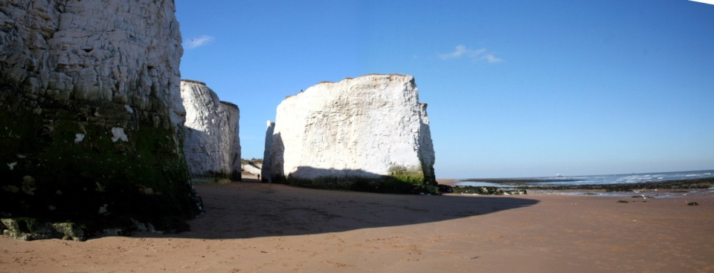 Botany Bay - sandy beach with white cliffs