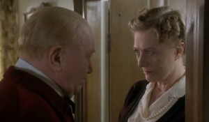 Winston Churchill (Albert Finney) speaking with his wife Clementine (Vanessa Redgrave)
