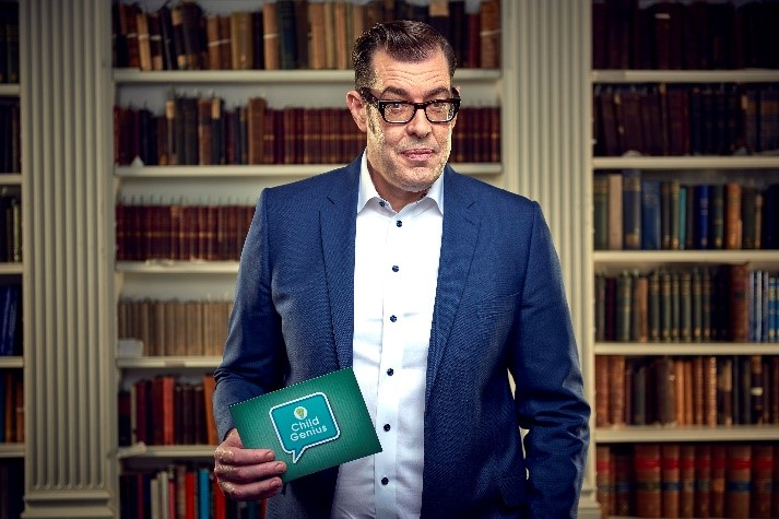 Image of presenter Richard Osmon with book shelves pictured in the background.